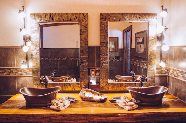 bathroom glamping at Paws Up
